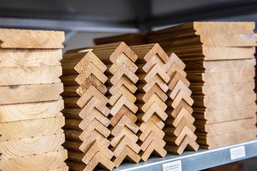 ترموود (Thermowood) یا چوب تصفیه شده با گرما، یک ماده زیبا و پایدار است که از طریق عملیات حرارتی و بدون استفاده از مواد شیمیایی تولید می شود
